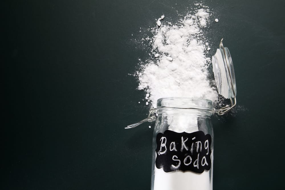 light your hair with baking soda