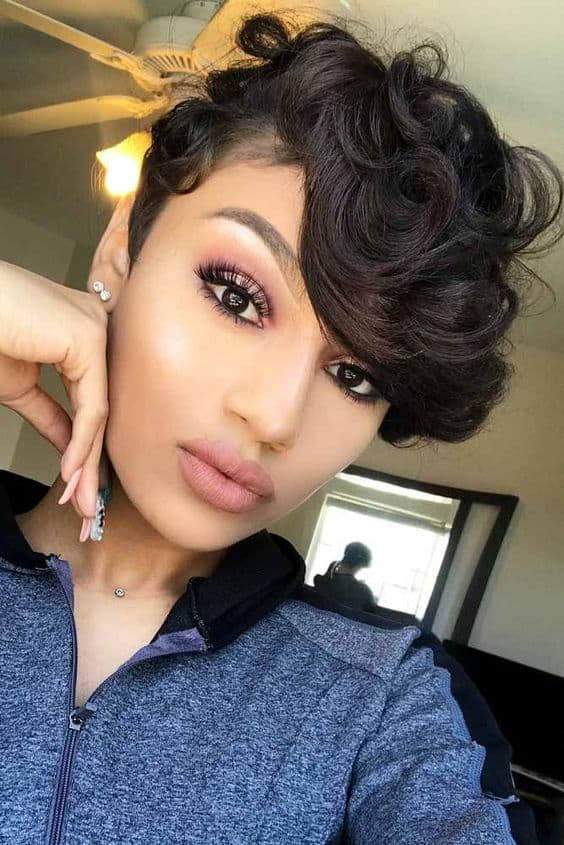 How to Style a Pixie Cut Short Hair is Versatile